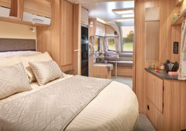 Pegasus-Grande-SE-Bologna-bedroom-to-lounge.jpg