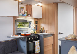 Discovery D4-2 Kitchen