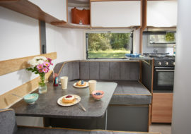 Discovery D4-3 Dinette