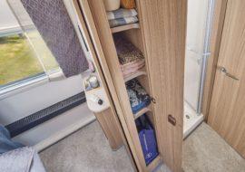 Unicorn V Pamplona bedroom storage