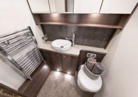 Barracuda bathroom